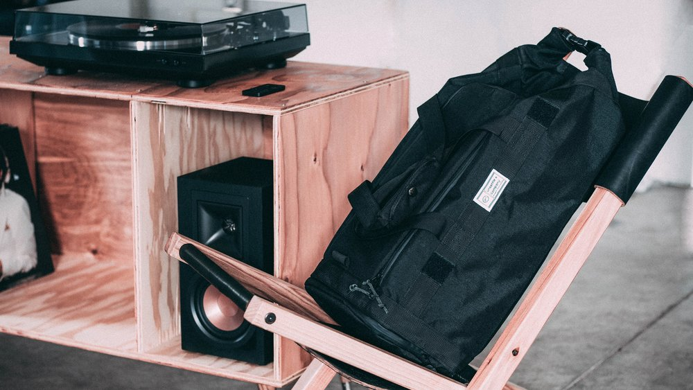 duffle-product-page-slideshow-records-min.jpg