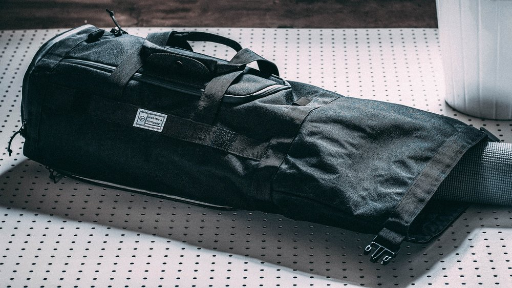 duffle-product-page-slideshow-unrolled-min.jpg