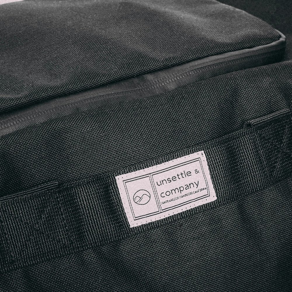 duffle-product-page-feature-detail-handle-tuck-2-slideshow-min.jpg