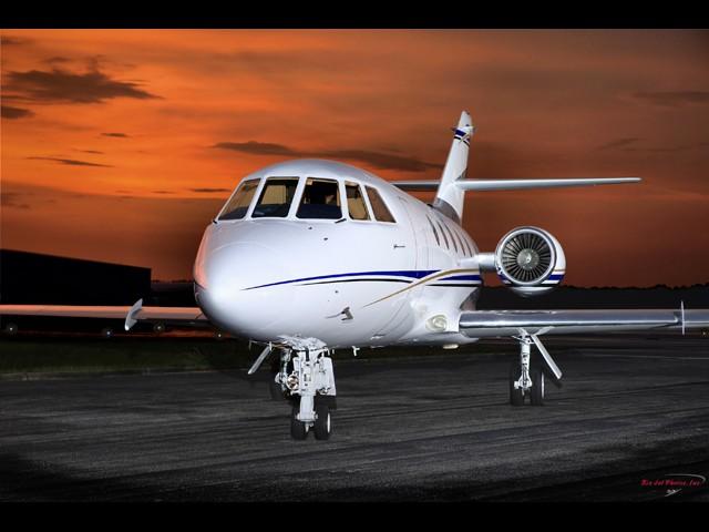 Falcon 200.501 Exterior 2.jpg