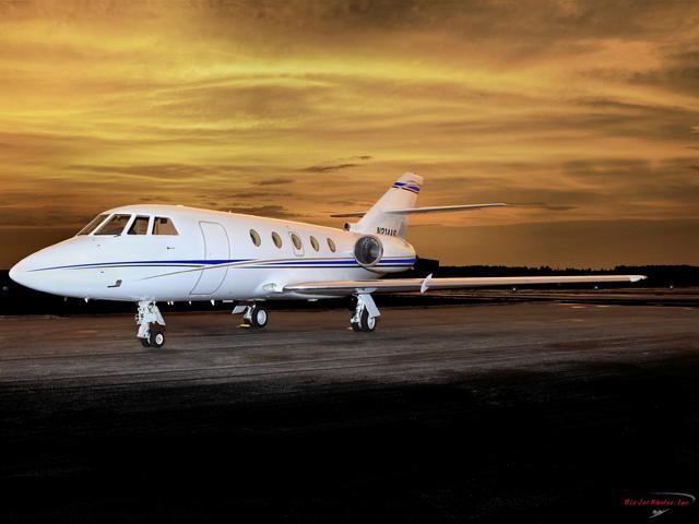 Falcon 200.501 Exterior.jpg