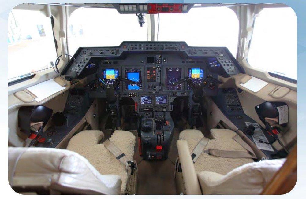 Hawker 800XPI Cockpit.jpg