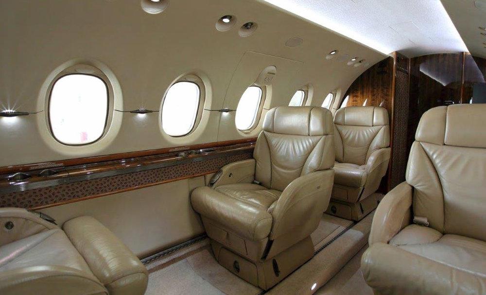 Hawker 800XPI Int4.jpg