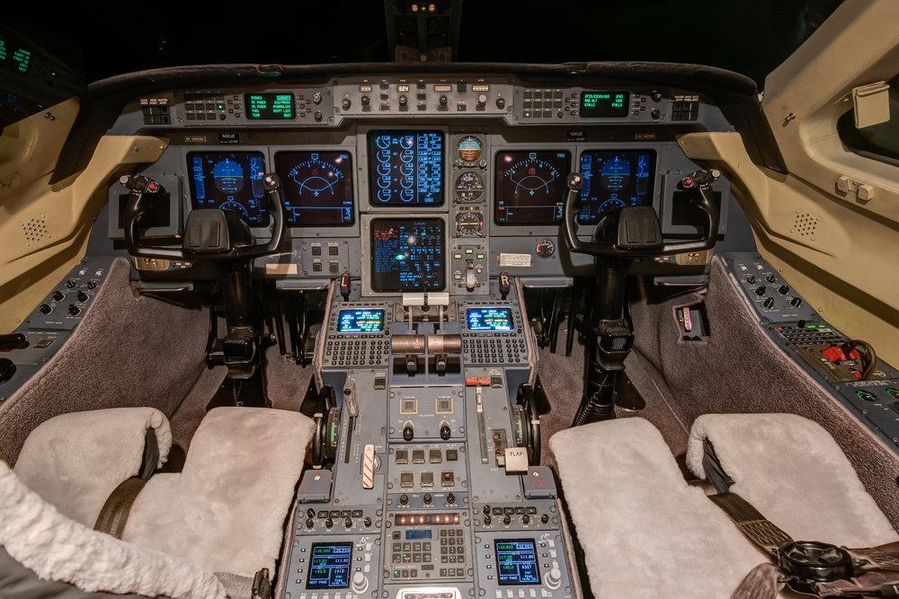 N90JE Cockpit.jpg