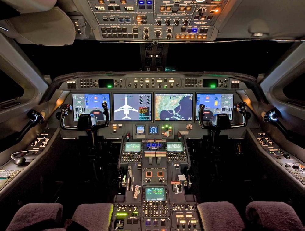 5024 Cockpit.png