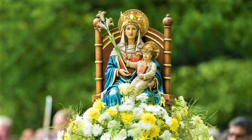 image: statue of Our Lady of Walsingham via mazur/catholicnews.org.uk