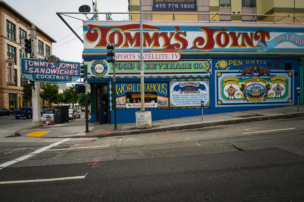 TommysJoynt-3.jpg