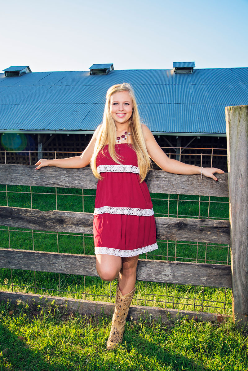 high-school-senior-farm-portraits-fun-kris-spelce-photography.jpg