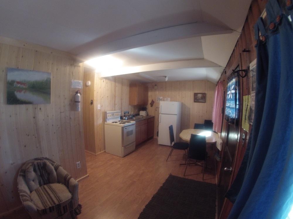 cabin401.jpg