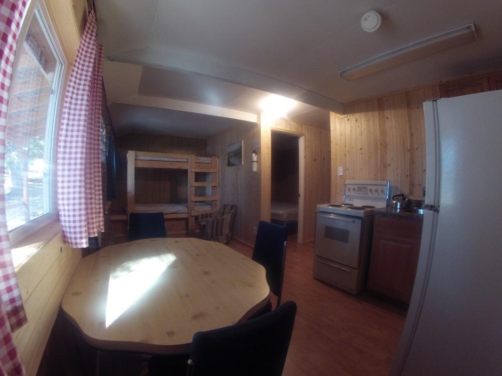 cabin402.jpg