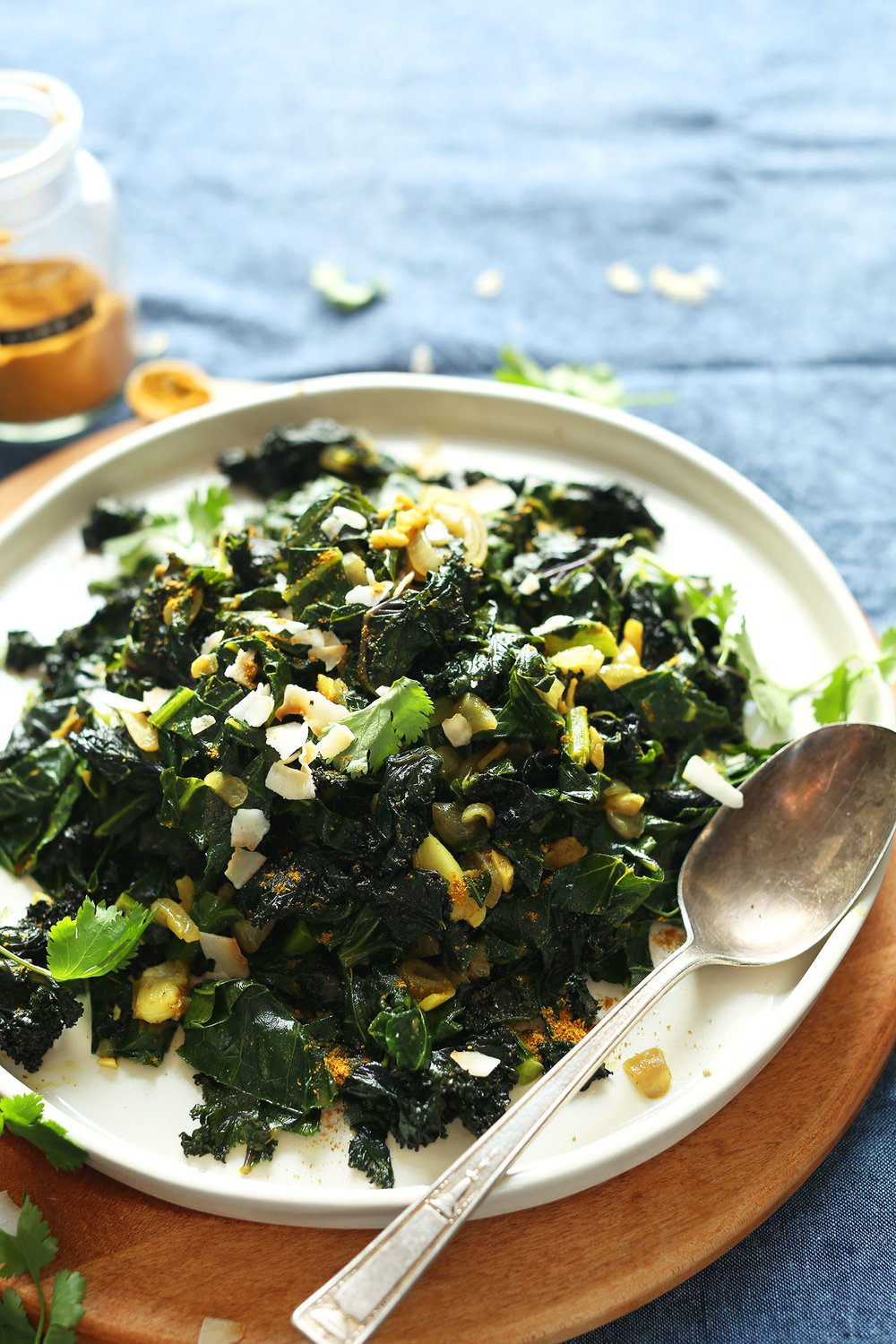 AMAZING-Coconut-Curried-Greens-Collars-Kale-with-curry-powder-and-coconut-milk.-SO-healthy-tasty-vegan-glutenfree-curry-collardgreens-recipe.jpg