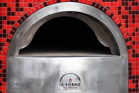 A close up of the Il Forno By Marco reducved oven mouth for retaining heat better.