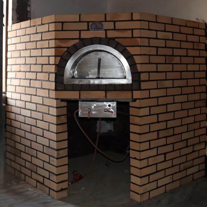 Fixed-brick-oven-wood-fired-pizza-oven-wil-forno-by-marco.JPG