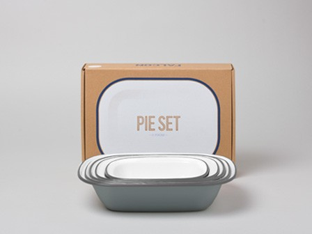 Enamel pie set  www.plainuseful.com