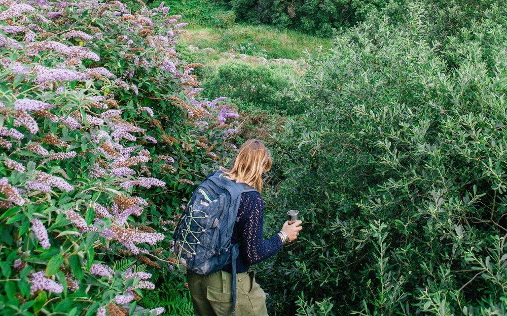 Louise Middleton exploring at Kudhva  | Karl Mackie Photography