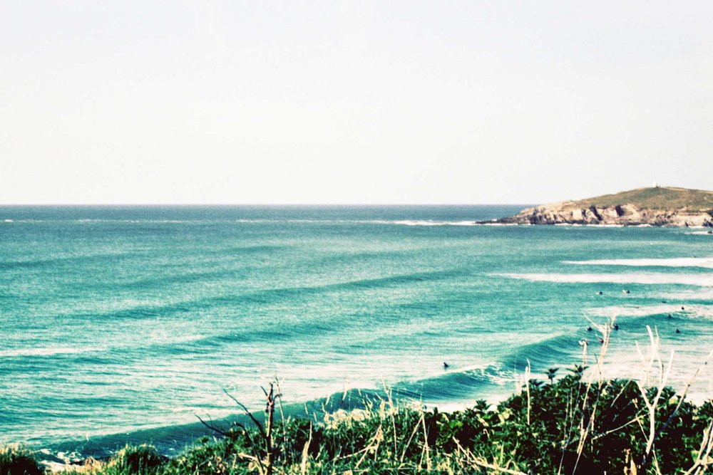 Surfer+paddles+out+Fistral+Beach+_+Karl+Mackie+Photography.jpg