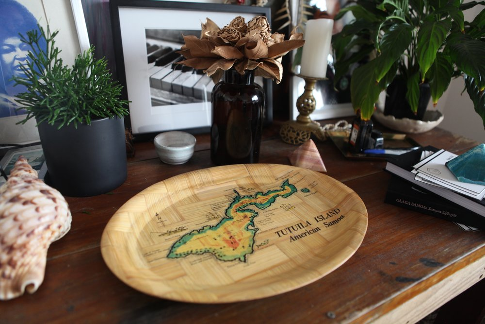 This retro map plate, love it! I remember mum telling me about her travels to Tutila in her 20's where she picked up two of these souvenir map plates. Where is Tutila? its the main island of American Samoa.