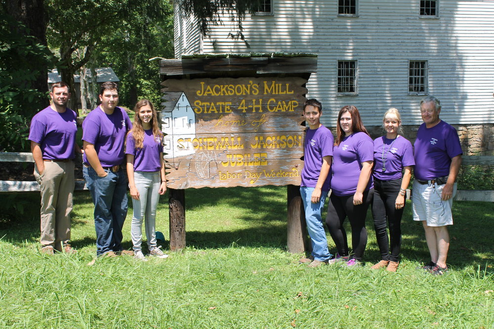 Louisiana placed third among 15 states that competed in the 38th annual National 4-H Forestry Invitational from July 30 through August 3. Pictured are LSU AgCenter agent Luke Stamper, of Harrisonburg; Clay Zaunbrecher, of Gueydan; Clare Phillips, of New Iberia; Austin Goldstein, of Harrisonburg; Rachel Rachal, of Shreveport; and AgCenter agents Natalie McElyea, of Baton Rouge; and Keith Hawkins, of DeRidder. (Photo courtesy of National 4-H Forestry Invitational)