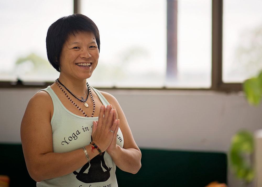 Hang-Nhan-masterclass-yoga-mindfulness-vinyasa-flow-hcmc-saigon-vietnam
