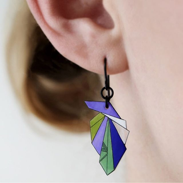 Just added this drop earring design to my webshop (link in bio) Free shipping within Canada💙 #earrings #dangleearrings #dropearrings #design #art #drawing #artanddesign #geometric #purple #handmade #madeincanada #yyc #yycdesign #yycart #etsy #etsyshop #etsycanada