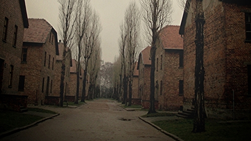 The haunted barracks of Auschwitz / Photo: Naomi Krueger