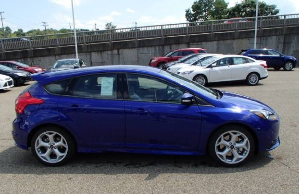 Danny's New Toy: 2014 Ford Focus Titanium Hatchback