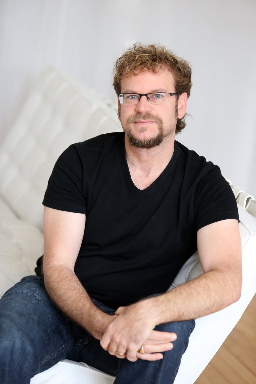 Photo of award-winning author Daniel D. Maurer