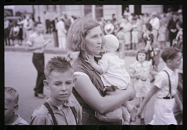 Vintage Mother's Day Photo Frances Stone (cc0)