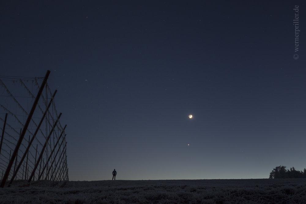 Mond, Venus und Mars über der Hallertau  The Moon, Venus and Mars above the Hallertau, Germany