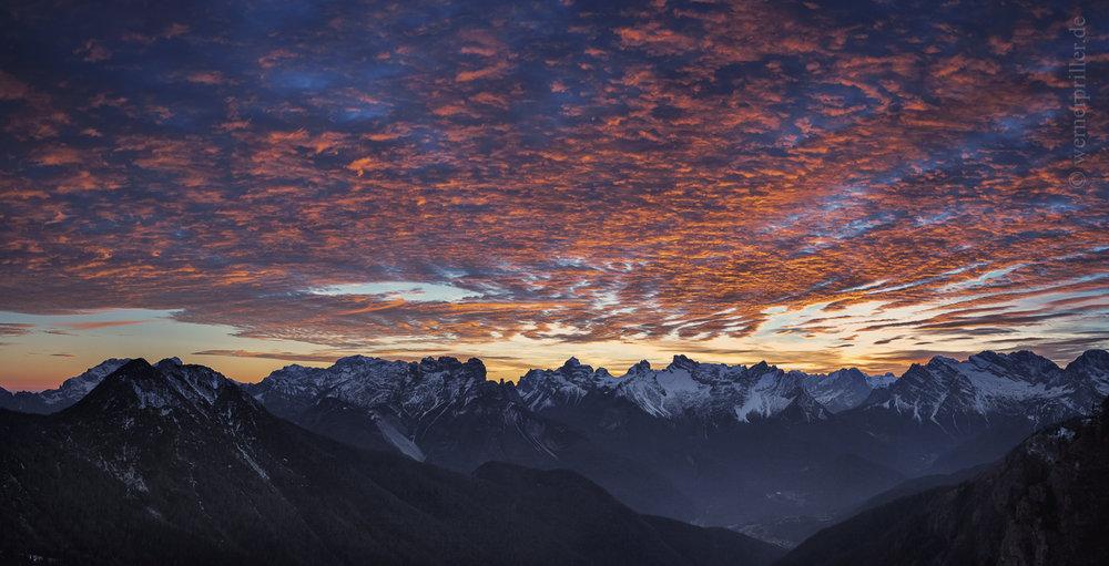Sonnenuntergang über den Dolomiten  Sunset above the Dolomites