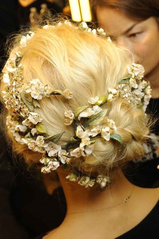 21-of-the-hottest-bridal-hairstyles-for-2014-dolce-gabbana-ss-2014.jpg