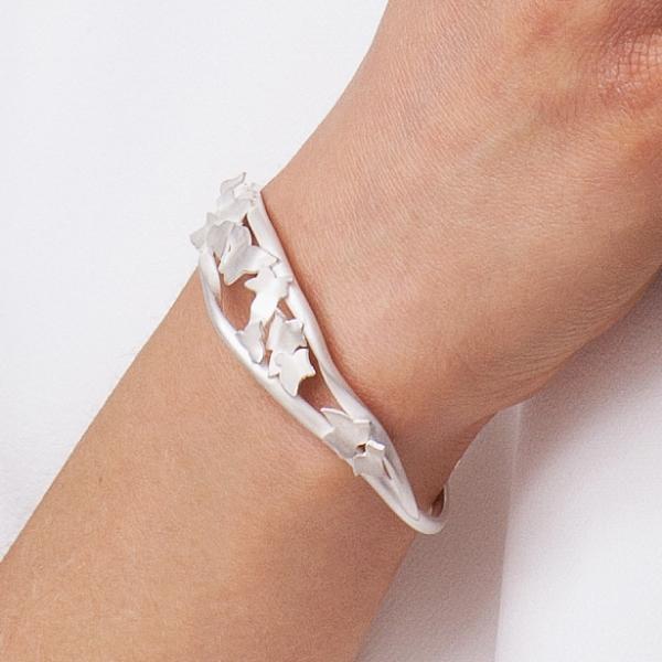 close up bracelet.jpg