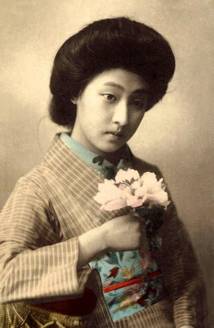 Vintage geisha  postcard images were the initial inspiration. Creating a dreamy look with florals featuring heavily.