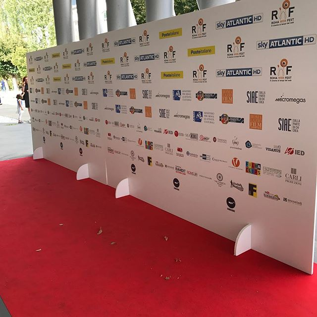 Red Carpet set up for the awards ceremony. #romawebfest #noelbrahamentertainment #LyndonTreeStudios #PerfectTake #romawebfest #natenelsonvisuals #