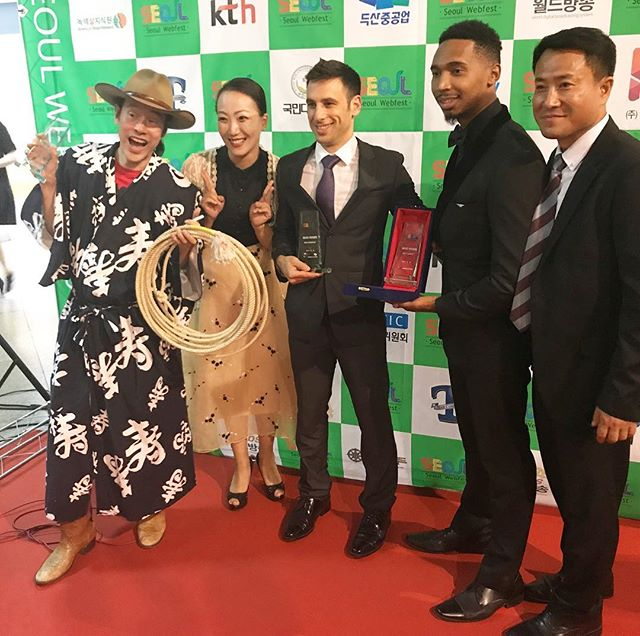 Happy to announce we won Best International Comedy at the @kwebfest awards 🙏🏾 #TheSideChick #noelbrahamentertainment #lyndontreestudios #perfecttake #comedy #korea