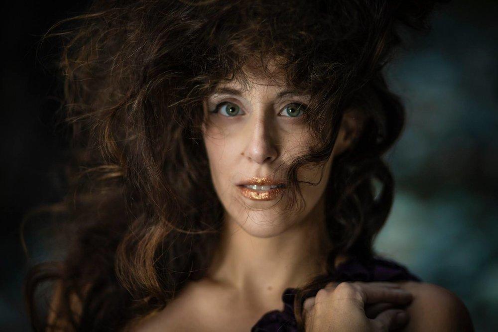 Julia Benzinger, Mezzo-Soprano