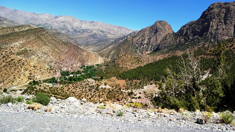 First view of Zawiya Ahansal from the pass into the valley. Village of Aguddim in left center.