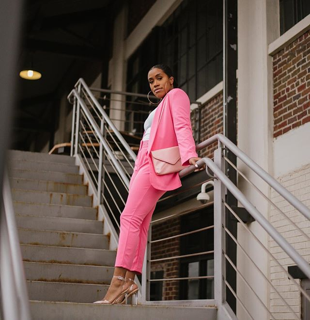 On Wednesdays we wear pink.  ____________________  I'm talking about styling suits on the blog today. How do you feel about suits? Comment below 👇🏾 www.beessntl.com #BeEssntl✨