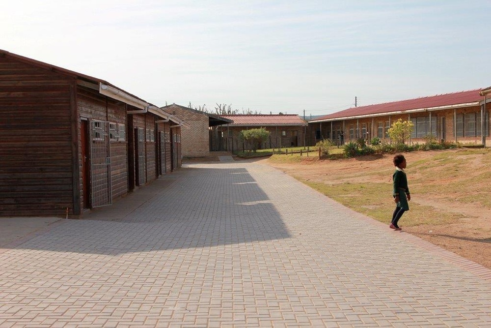 2013: Vusumzi Primary School renovations commence