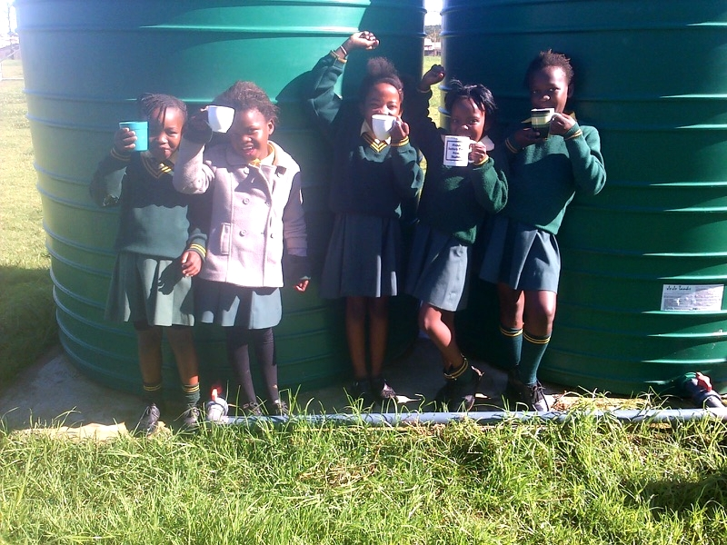 2014: Clean Water system installed at Vusumzi Primary School