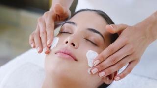 Con el tratamiento personalizado le devolveremos la salud de tu piel