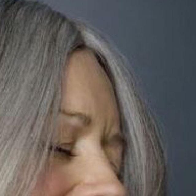 El tratamiento #porexhair consiste en una re-estructuración de la hebra capilar, 100% natural y sin químicos, por medio de aminoácidos, nutrientes y minerales que penetran el cabello. Gracias sus efectos conseguimos reestructurar el cabello de adentro hacia afuera aumentando su densidad, devolviéndole el brillo y la sedosidad a tu cabello. • • • #haircare #curridabat #costarica #estetica #spa #fisioesteticamariammoldes #naturalproducts