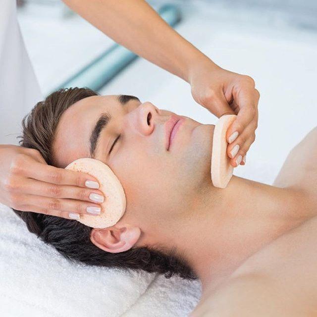 Este mes de mayo aprovecha nuestra OFERTA de Limpieza facial + Suero Ajo 20% off.  Cuida tu piel con nosotros #spa #curridabat #costarica🇨🇷 #skincare #saluddelapiel #acne #limpiezafacial