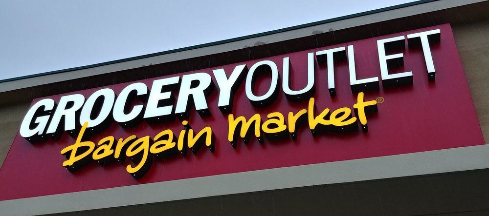 The sign outside the new Grocery Outlet // Christopher Bragg