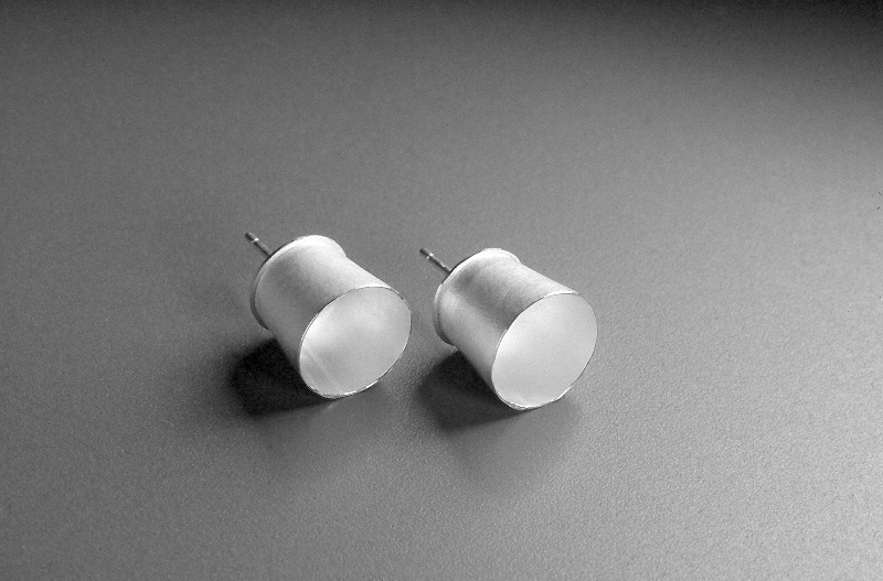 26 Cup Earrings silver '00.jpg