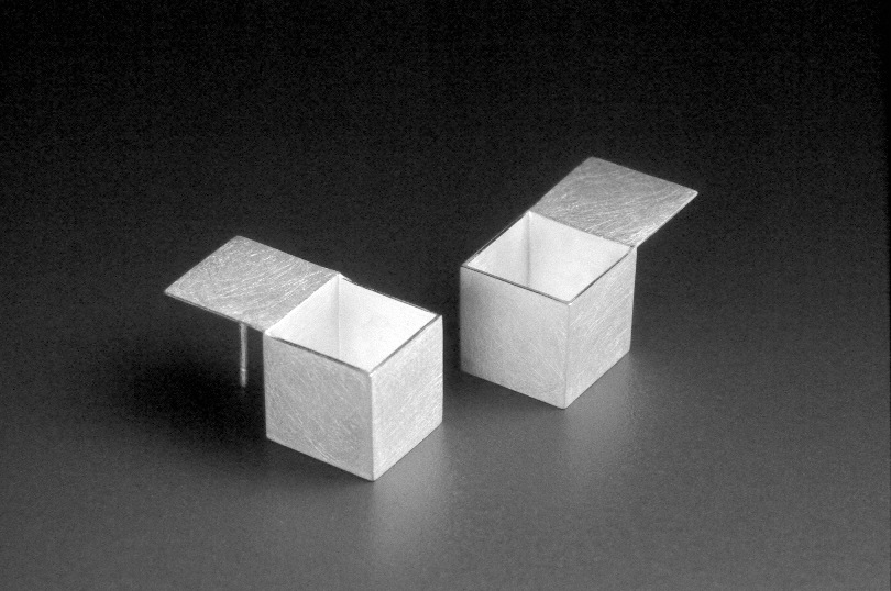 33 Open Box Ear. Silver '01.jpg