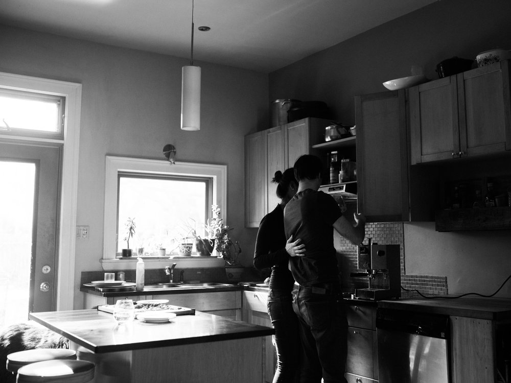 At-home-intimate-engagement-session-LC-6.jpg