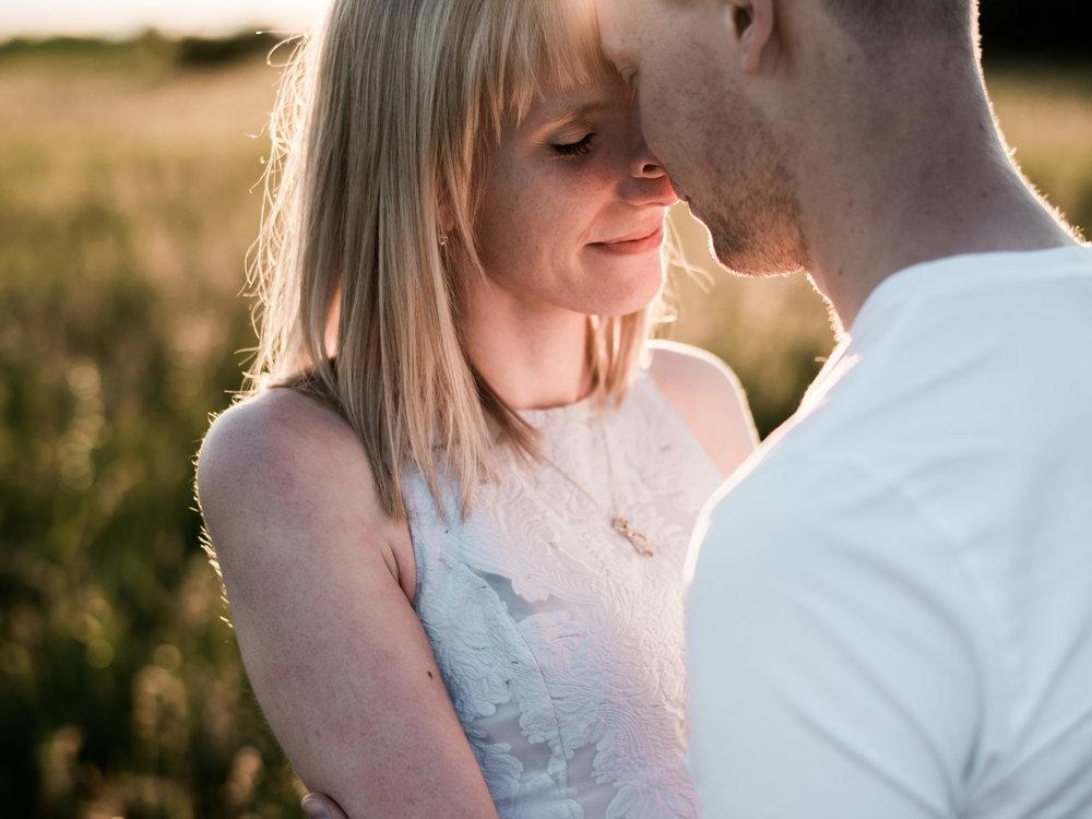 scotsdale-farm-toronto-engagement-photo