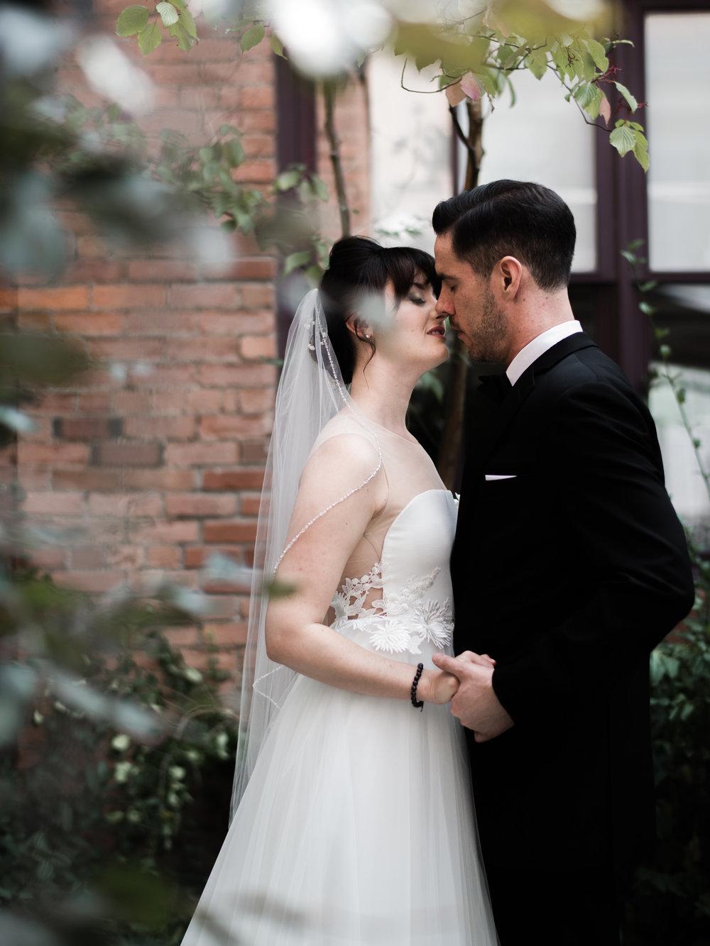 downtown-toronto-george-restaurant-wedding-photographer-21