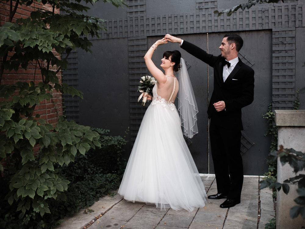 downtown-toronto-george-restaurant-wedding-photographer-22